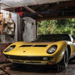 Rekord áron kelt el az erdőben talált Lamborghini Miura