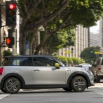 f8fb8296-2020-mini-cooper-se-launched-17