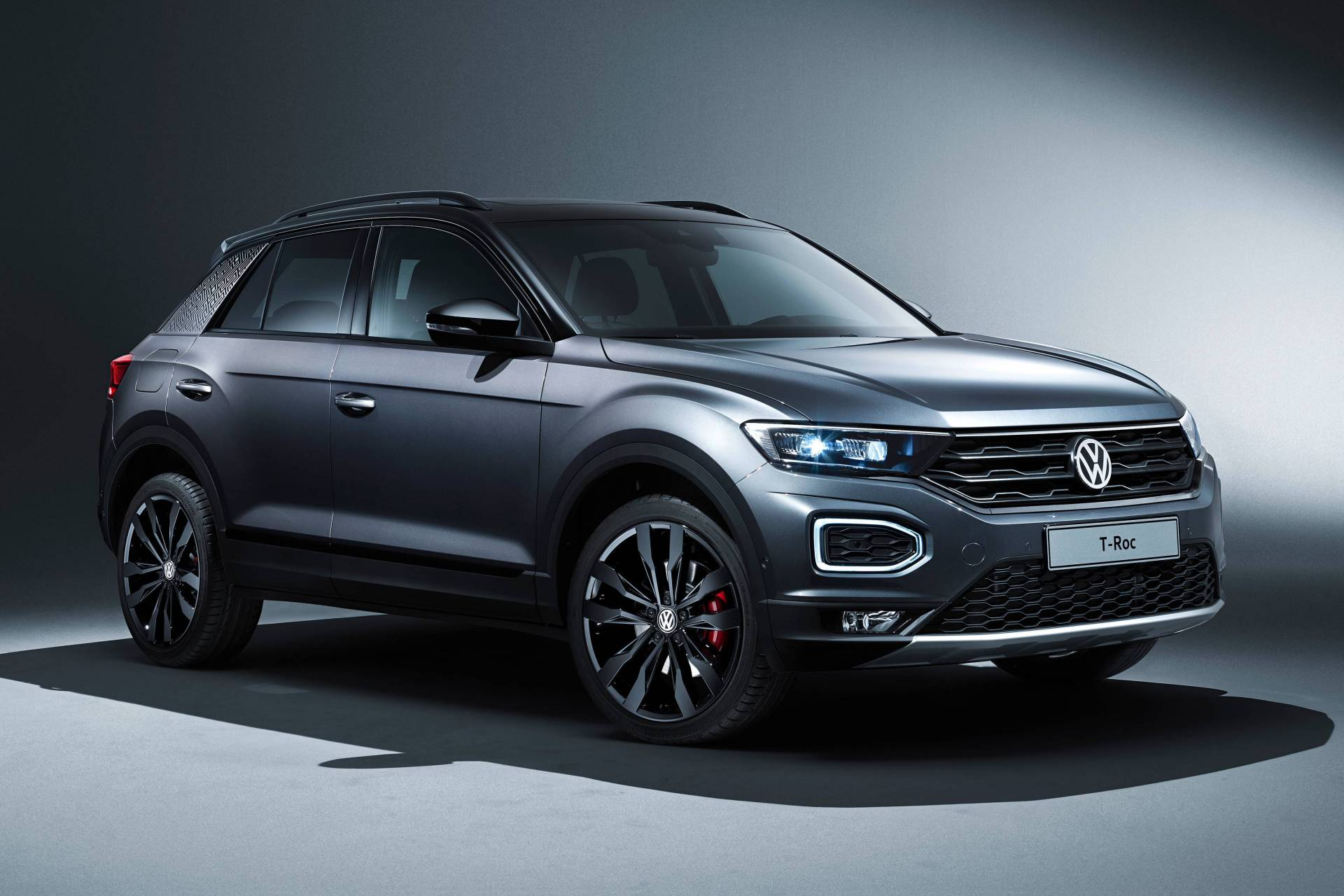 fc78fcab-2020-vw-t-roc-with-black-style-design-package-1