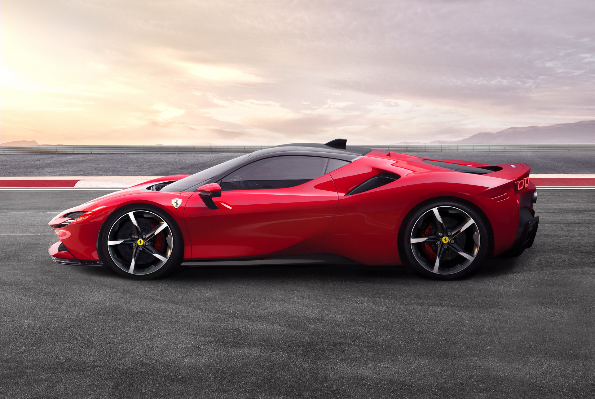 ferrari-says-first-ev-will-pioneer-new-tech-2
