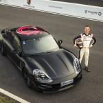 Megkezdődött az elektromos Porsche bemutató turnéja