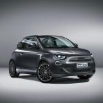 Gyári képeken pózol az új Fiat 500