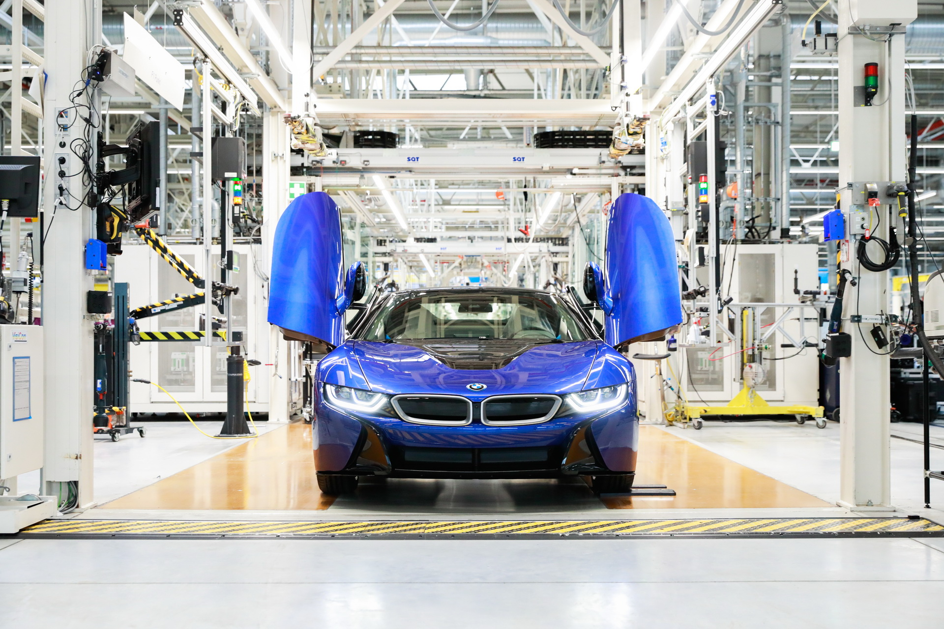 final-bmw-i8-produced-4