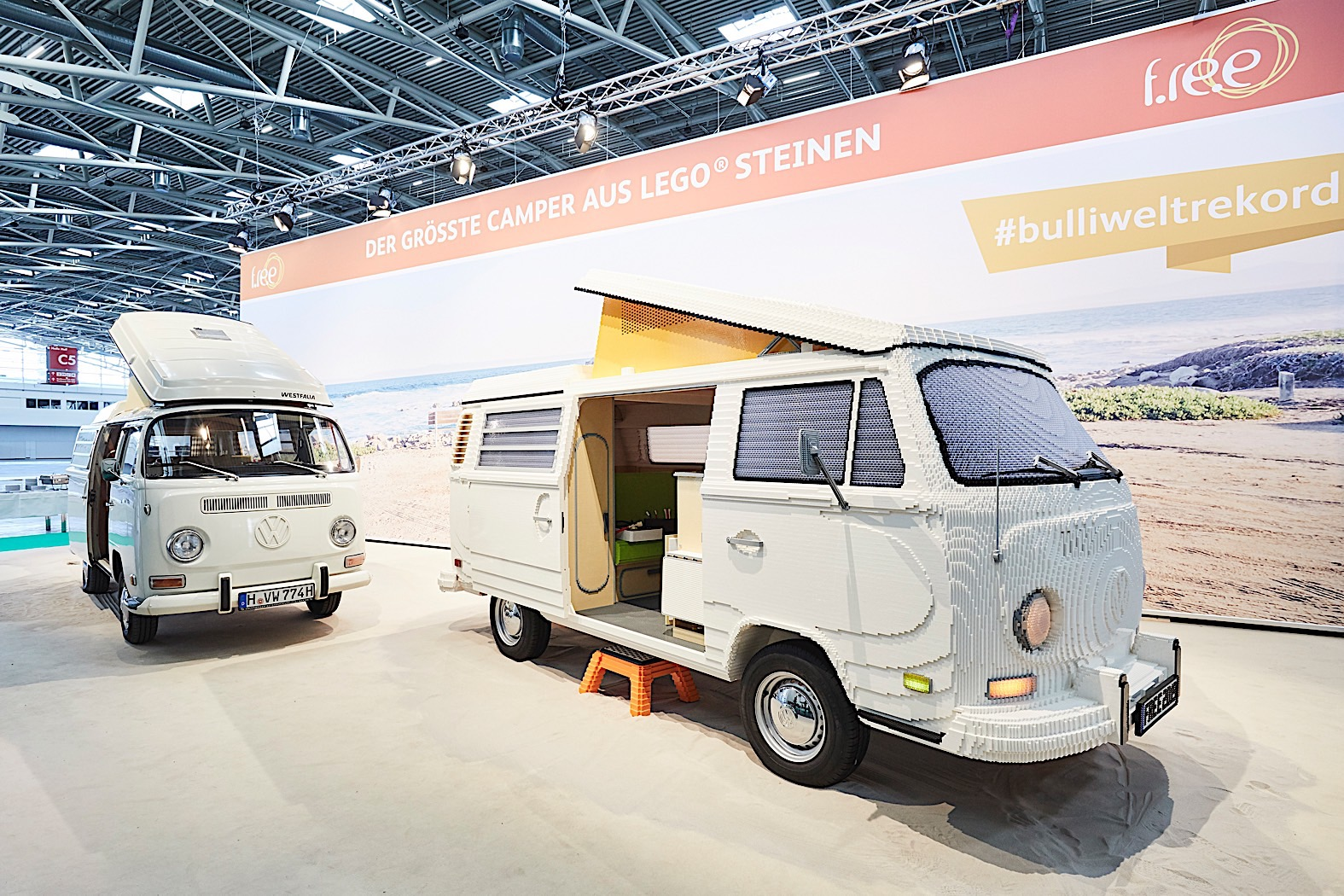 full-size-volkswagen-t2-made-of-lego-comes-complete-with-sliding-door-132401_1