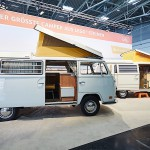 full-size-volkswagen-t2-made-of-lego-comes-complete-with-sliding-door_2