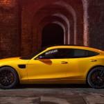 Négyajtós szuper-sportkocsival ünnepel az AMG