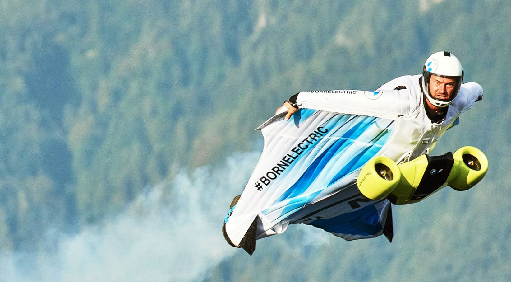 heres-bmws-all-electric-wingsuit-taking-its-maiden-flight-151179_1