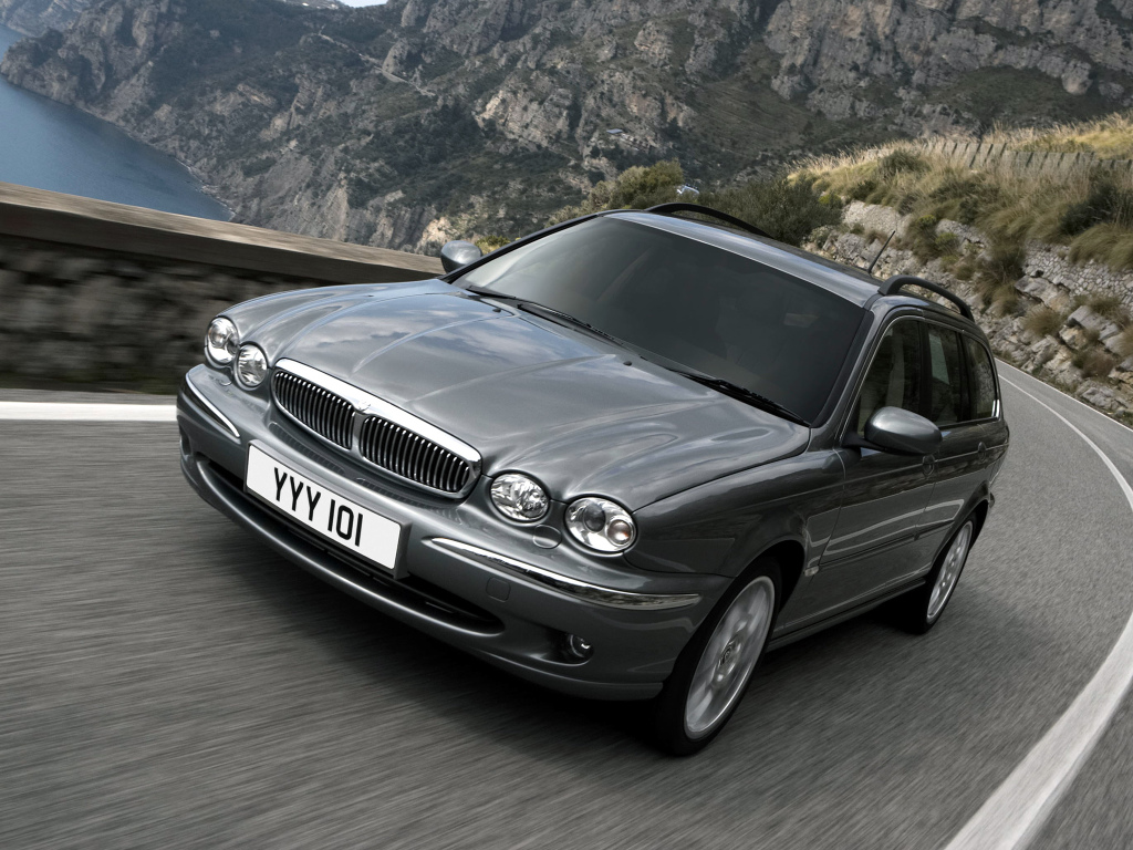 jaguar_x-type_estate_11