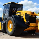 jcb-fastrac-tractor-sets-new-speed-record-135434_1