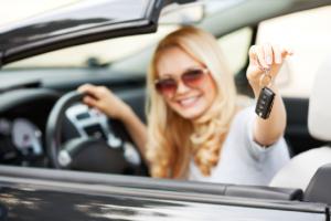 Öt bizonyíték, hogy a nők biztonságosabban vezetnek, mint a férfiak