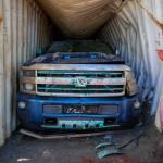 Autók az óceán mélyéről, azaz megkezdték a két éve elvesztett konténerek kihalászását