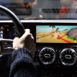 Játszani is lehet a Mercedes MBUX rendszerén
