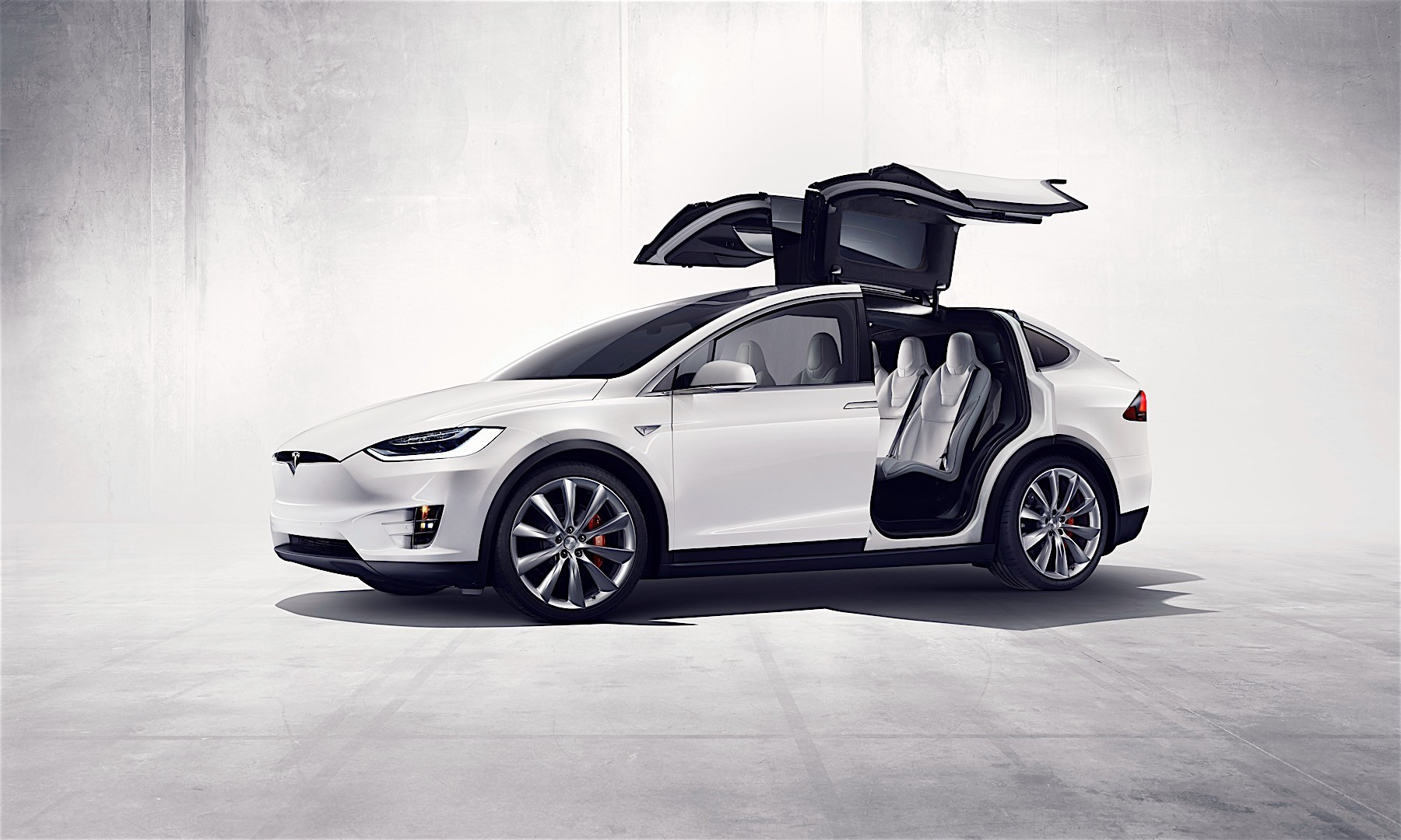 new-tesla-model-s-and-x-buyers-get-free-supercharging-old-customers-are-angry-136506_1