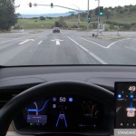 tesla-autonomy-demo-traffic-light-recognition-image-700x406