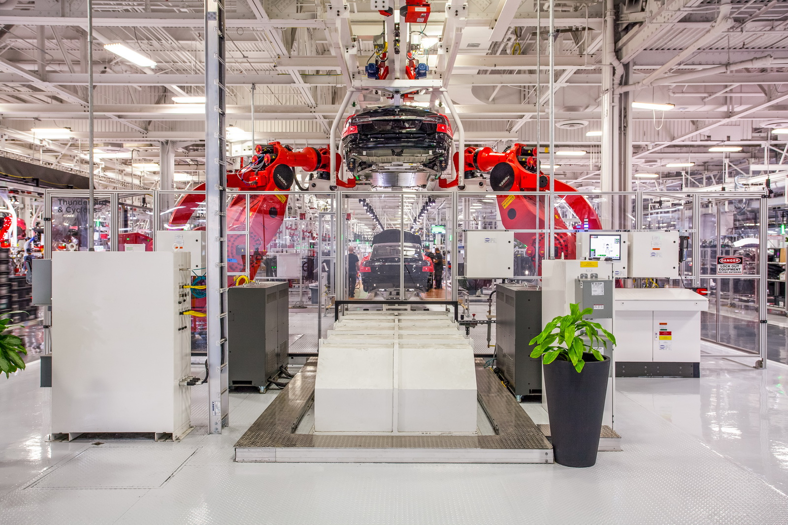 tesla-factory-fined-polluting-3