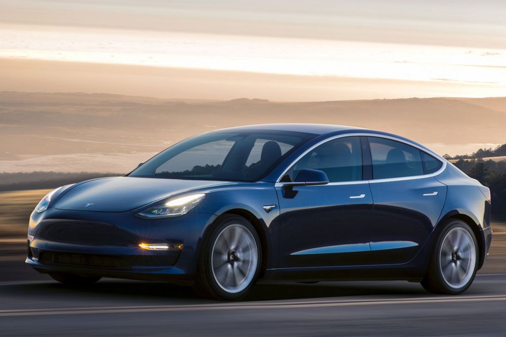 Tesla-teherautó: halasztják a bemutatást
