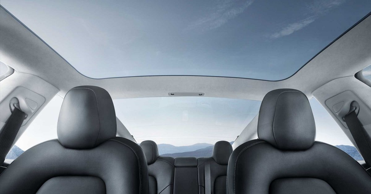 tesla-model-y-glass-roof-4cc2
