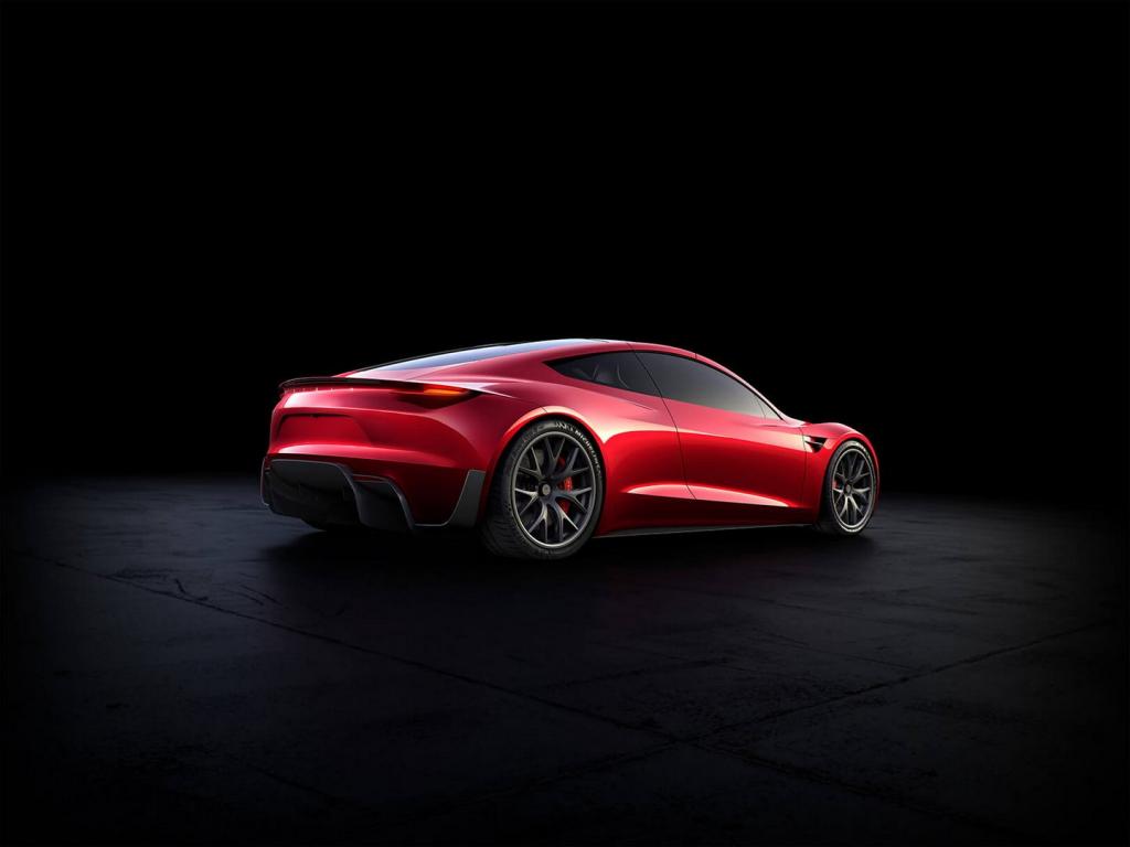 Űrhajó szintű autózást igér Elon Musk az új Roadster kapcsán
