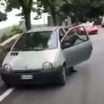 Filléres autóval zúztak le egy méregdrága sportkocsit