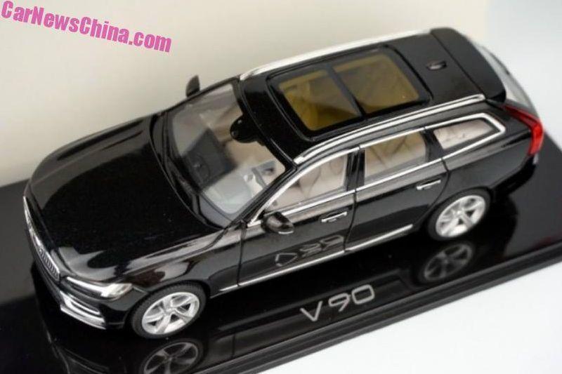 v90-modellauto-1
