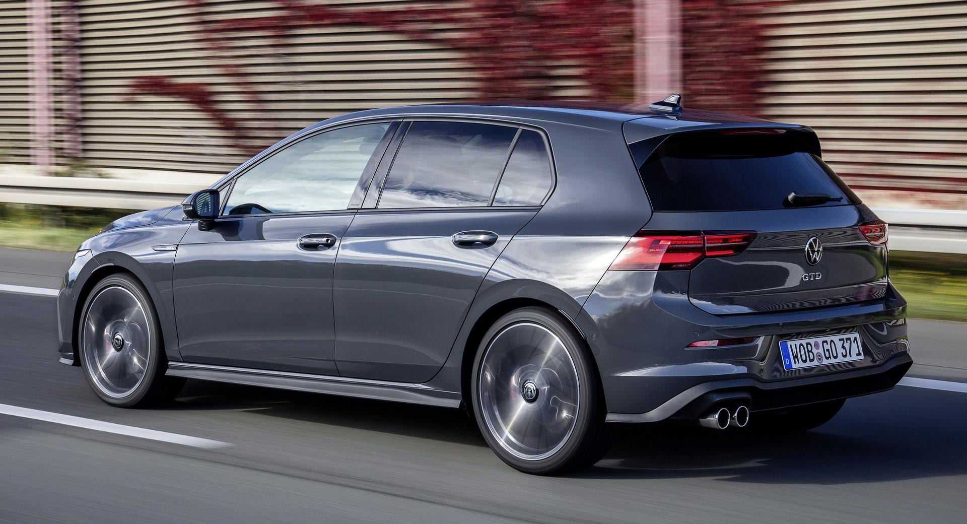 Az infotainment rendszer hibája miatt hív vissza a Volkswagen 56 ezer új Golf modellt