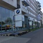 Több mint 300 millió forintot sikkasztott el egy budapesti autószalon értékesítője