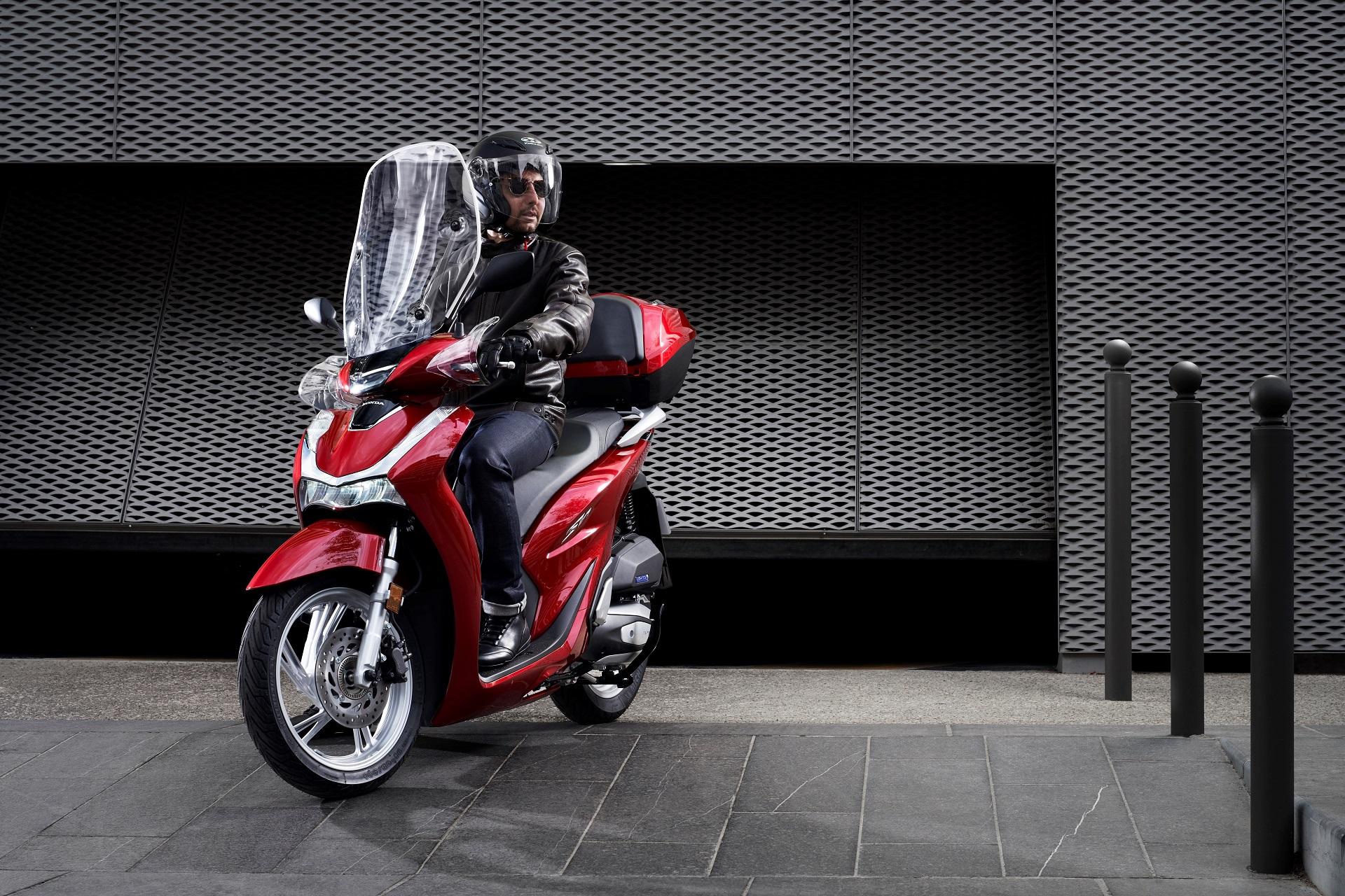 Honda SH150i ABS Dobozzal 2020